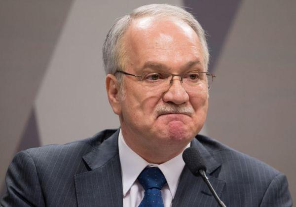Novo pedido de liberdade de Lula é rejeitado por Fachin