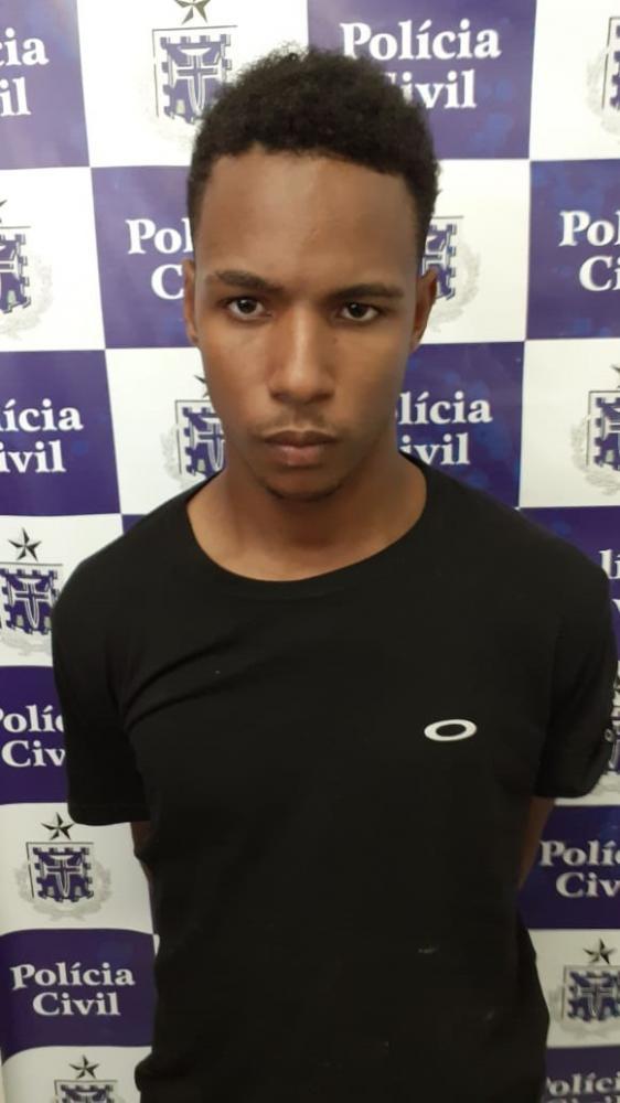 Policiais prende homem que matou por R$ 20 em Feira de Santana