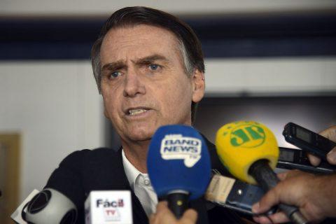 """Em Sobradinho, Bolsonaro diz que """"maus brasileiros"""" fazem """"campanha mentirosa"""" sobre a Amazônia"""