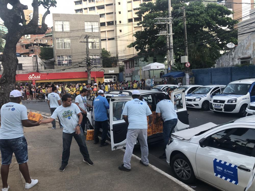 Prefeitura de Salvador apreende mais de 10 mil bebidas irregulares no Carnaval