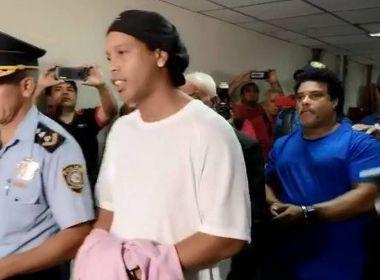 Prisão em que Ronaldinho está limita visitas para combater coronavírus