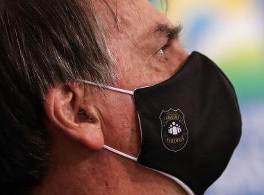 Bolsonaro diz a aliados que deve demorar para escolher novo ministro da Saúde