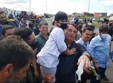 Sem máscara: Em Minas Gerais, Bolsonaro provoca nova aglomeração; veja